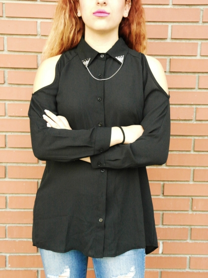 μαυρο πουκάμισο με ανοίγματα
