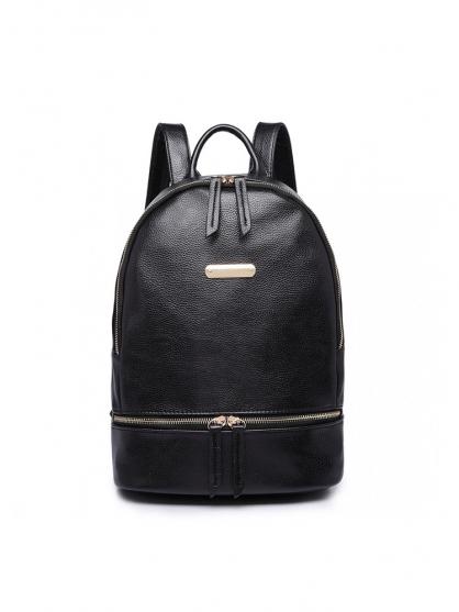 black-backpack-sakidio
