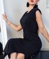 Μαύρο φόρεμα με σκίσιμο στο πλάι